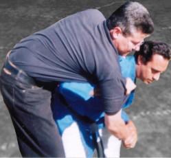 Tiradas del deporte de Judo son útiles para la defensa personal.